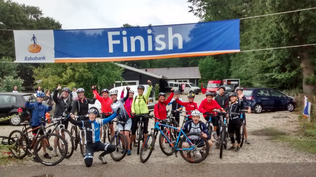 Jeugd_en_dames_clinic_Finishfoto